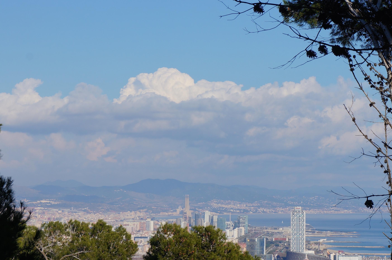 Barcelona und seine Wolken