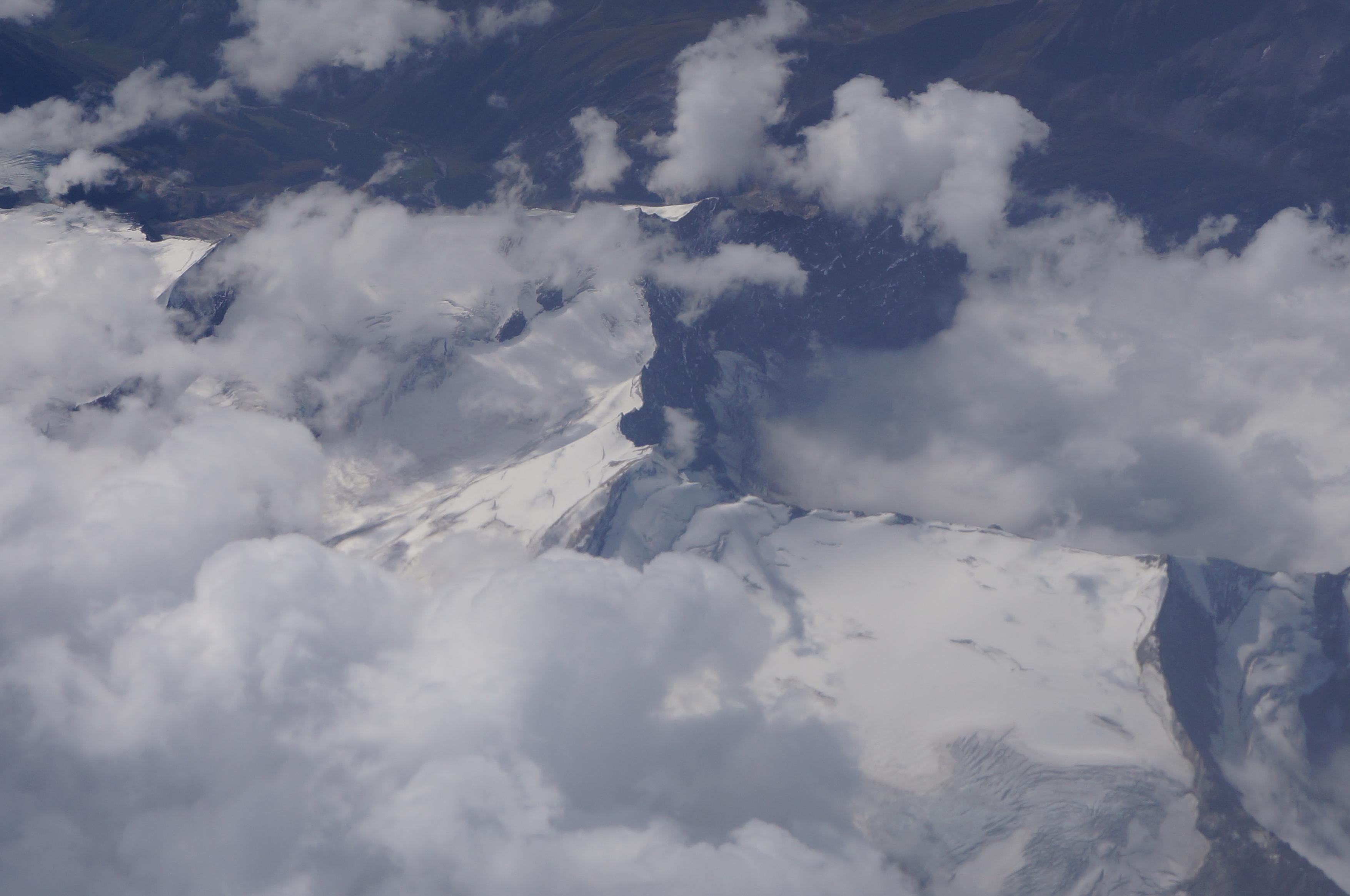 Gletscher meets Wolken bei -52 Grad !