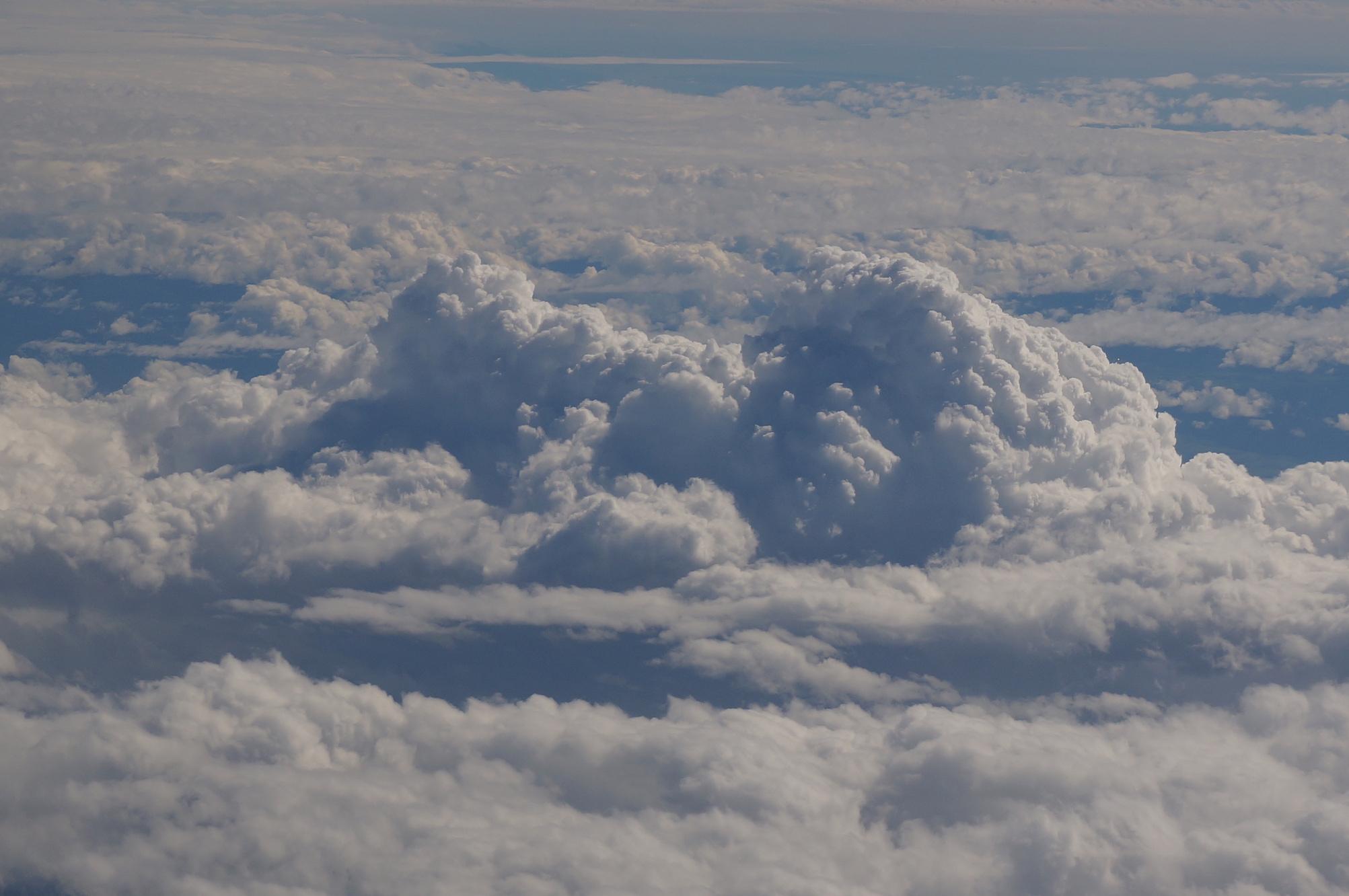 Im Wunderland der Wolken