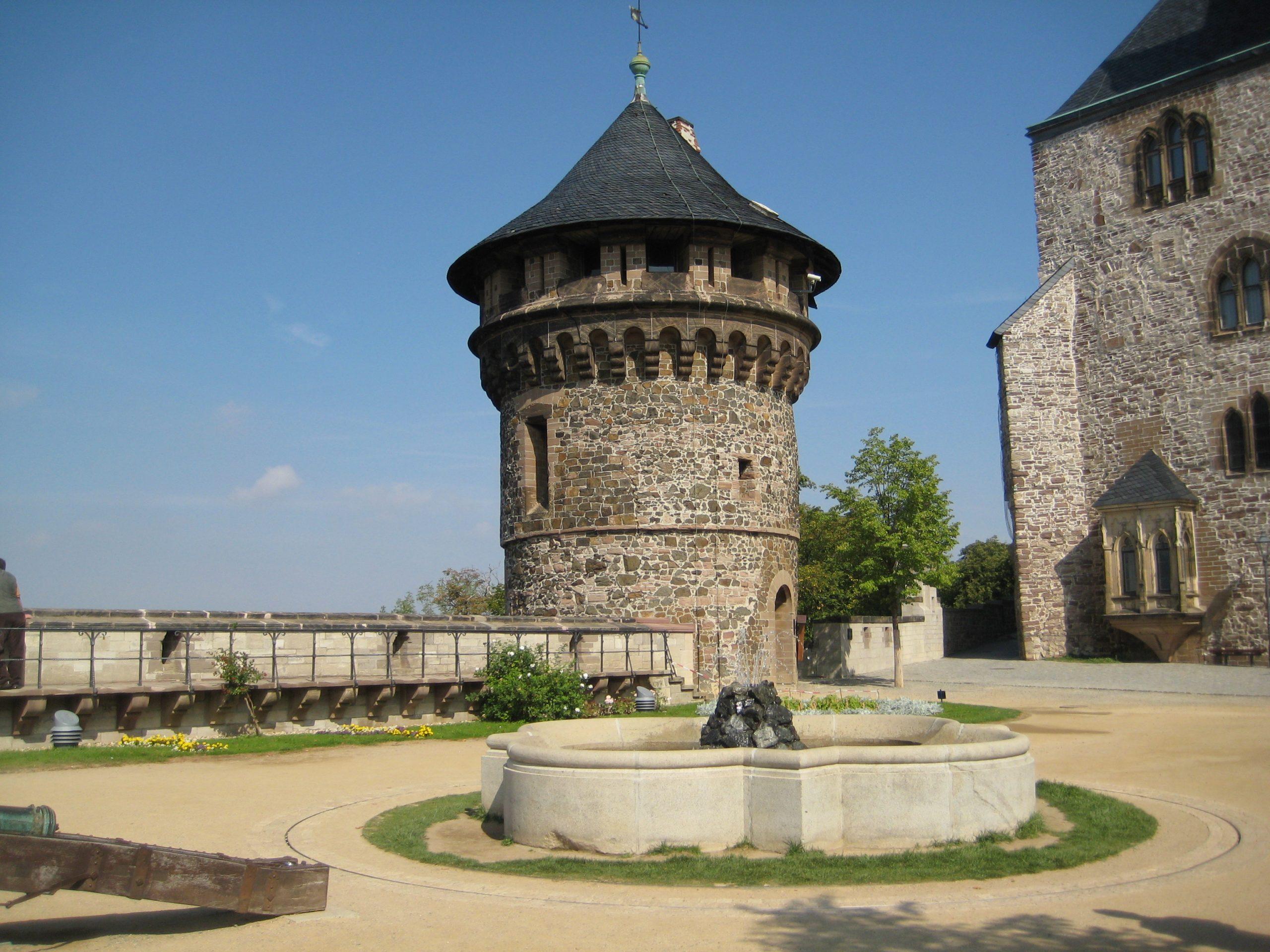 12 Schloss 2