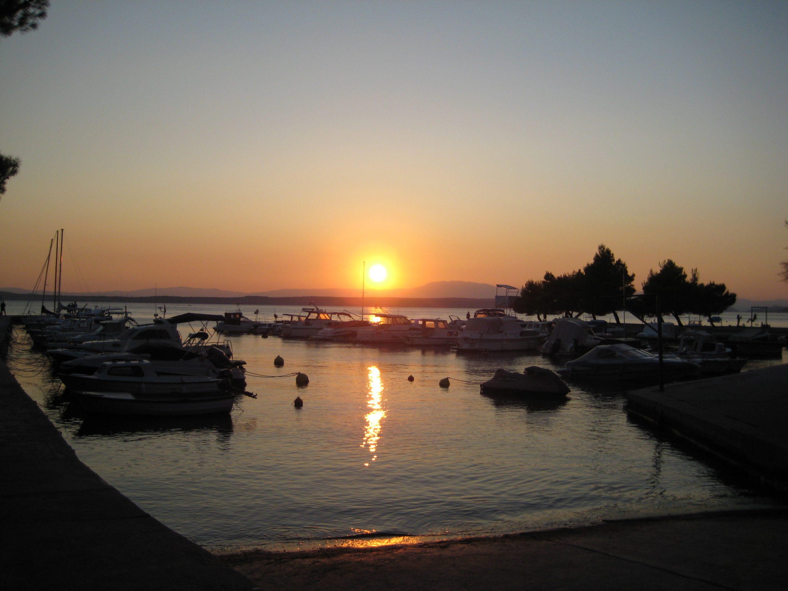 13a Sonnenunterg. 3