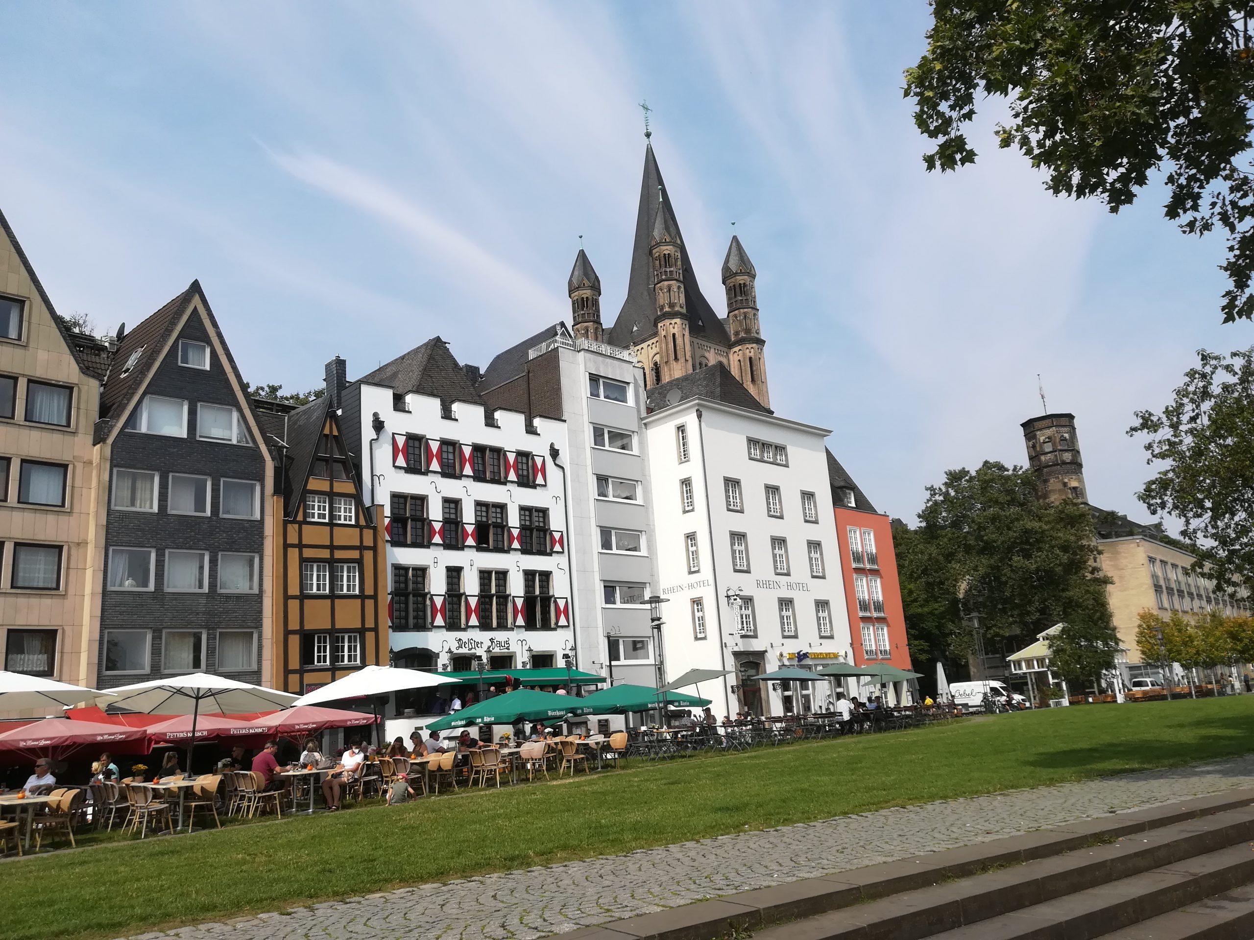 11 Rheinufer